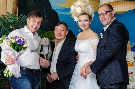 Лена Ленина с мужем усыновили обезьянку